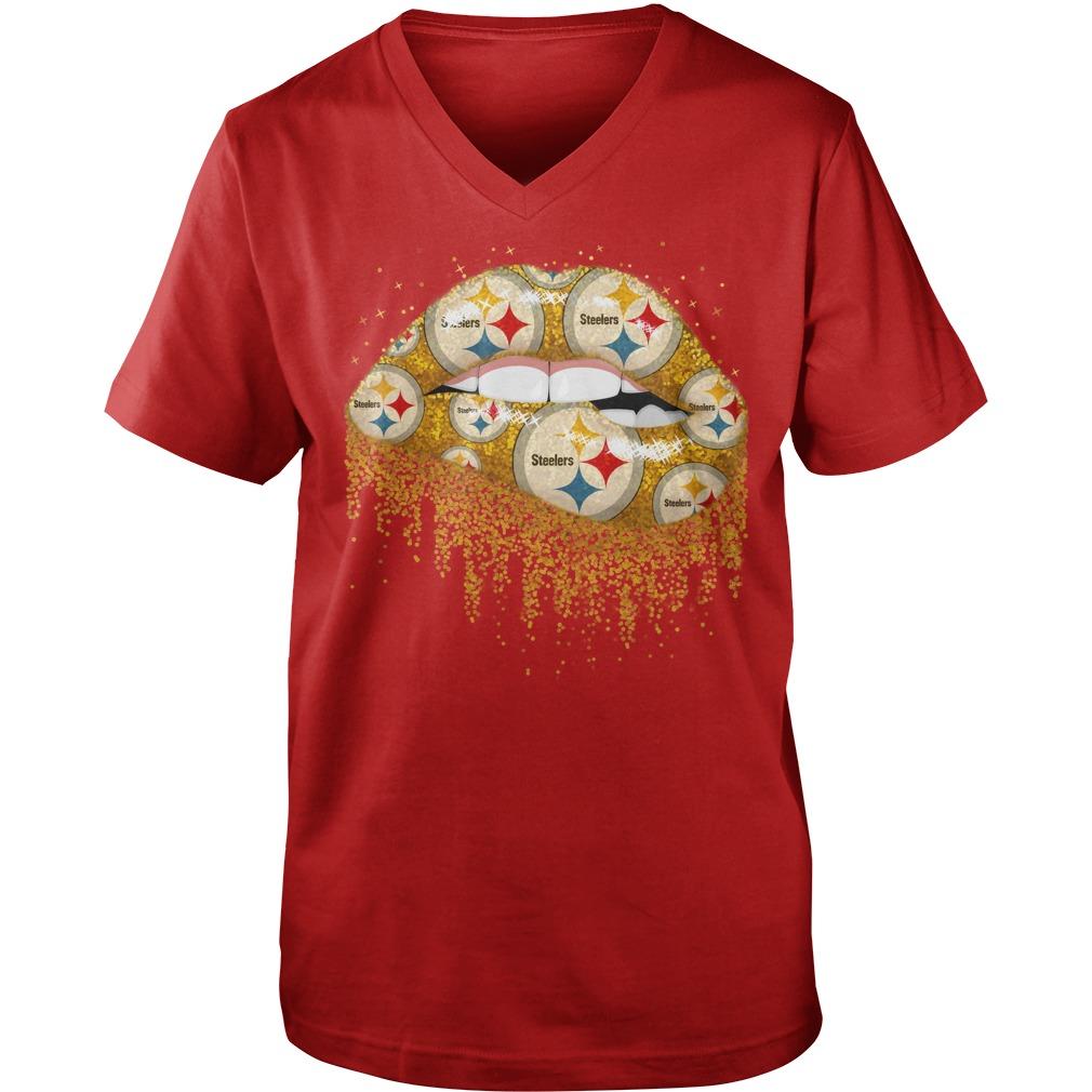 Pittsburgh Steelers love glitter lips shirt guy v-neck