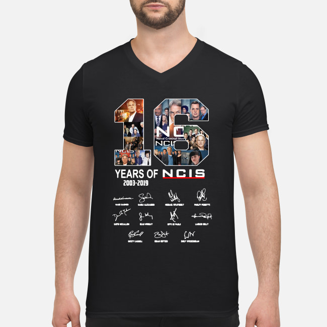 16 Years of NCIS 2003-2019 signature shirt men's v-neck t-shirt